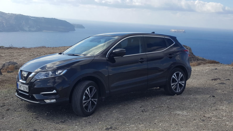 We only use brand new SUV cars for our Santorini tours