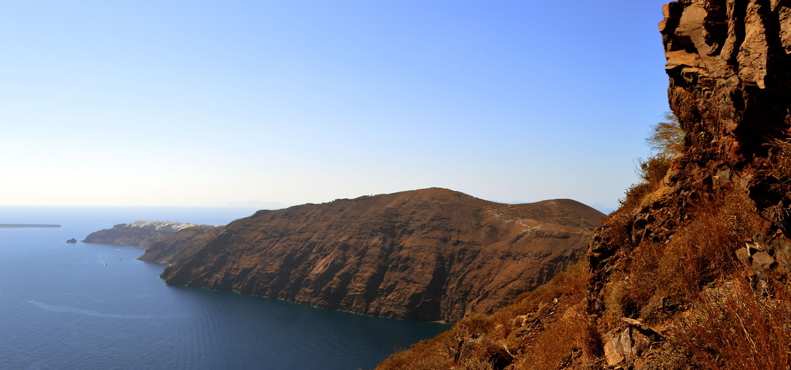 Private tours in Santorini with local guides